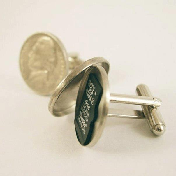Imagine a set of Cufflinks that could keep your Secret Memory card!
